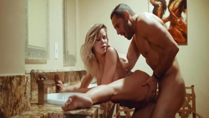 Hard sex in company with glamour blonde Jessa Rhodes