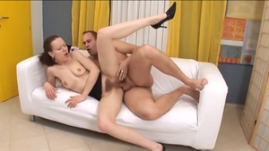 Busty slut Noelle Easton gets a buzz out of the best sex