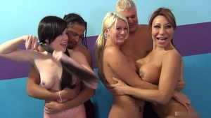 Sloppy fucking with Ava Devine together with Laela Pryce