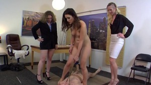 Fetish facesitting escorted by Jessa Rhodes and Bridgette B