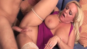 Pussy sex in company with young mature Alexis Golden