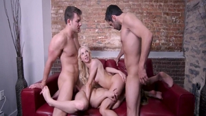 Blonde Kenzie Reeves lusts foursome