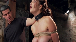 Super hot babe Holly Michaels loves bound