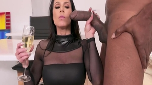 MILF Kendra Lust experience ass fucking