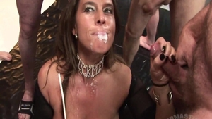 Mature Sexy Susi blowjobs