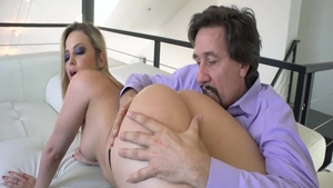 Beautiful Alexis Texas raw masturbation on the couch