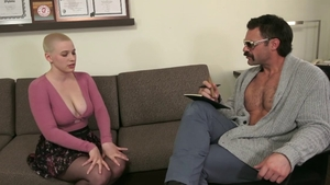 Short haired & trimmed pussy blonde Riley Nixon throat fuck