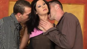 Brunette Lulu Martinez gets a buzz out of rough nailing