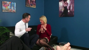 Loud sex together with mature Amy Goodhead