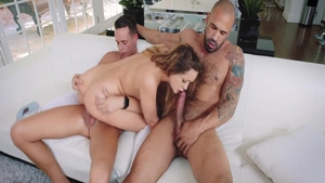 Pussy eating sex tape between young hardcore Cleo Vixen