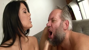 Very sexy babe Madison Parker receives good fuck in HD