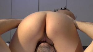 Swedish amateur receives homemade facesitting in HD