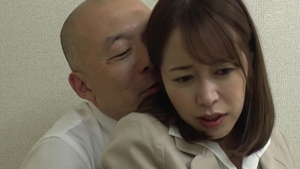 Wet hairy japanese MILF in pantyhose censored in office in HD