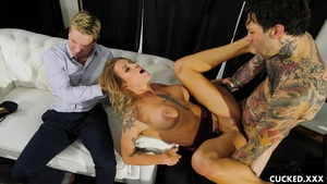 Nailed rough escorted by busty MILF Luna Skye