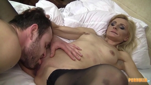 Super sexy blonde helps with hard nailining