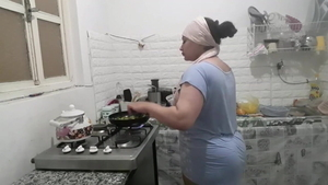 Big ass arab housewife goes for good fucking HD
