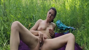 Sucking cock outdoors in HD