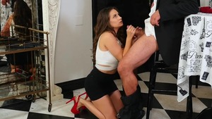 Natural brunette Cassidy Klein likes blowjob