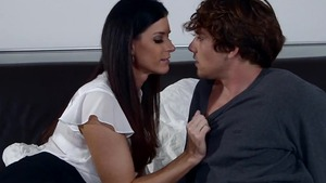 Young Arabic MILF India Summer enjoys greatly real sex