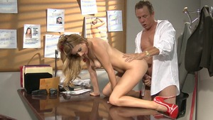 Sex escorted by perfect MILF Lexi Belle