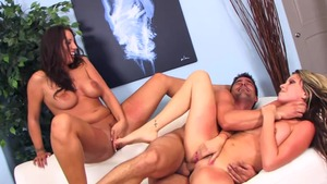 Big tits pornstar Courtney Cummz needs threesome